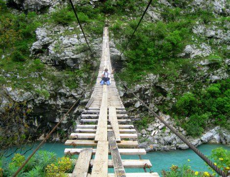 Мост на реке Морача